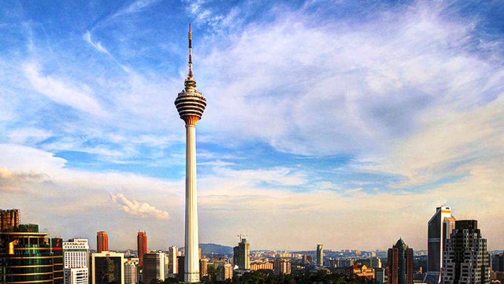 بازدید از برج مناره کِی اِل (Menara Kuala Lumpur) در تور کوالالامپور