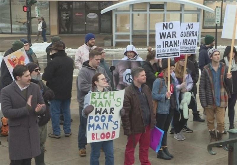 تظاهرات ضدجنگ در مونترال و واشنگتن؛ ترامپ را عزل کنید
