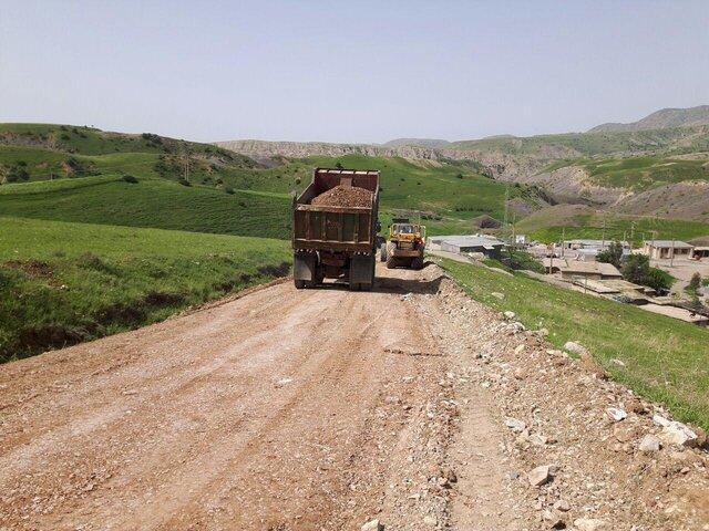 بازسازی راه های بین مزارع اسدآباد 20 میلیارد اعتبار احتیاج دارد