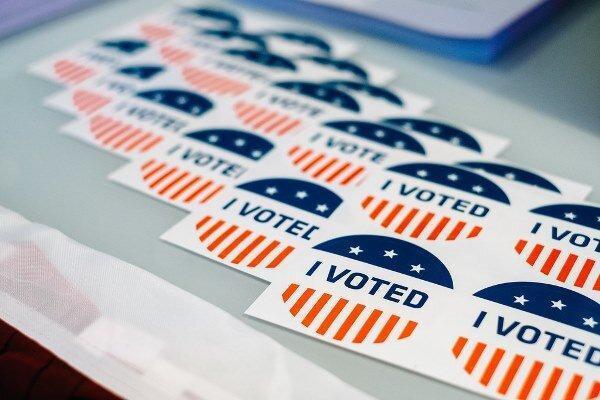 احتمال پیروزی دموکراتها درکسب اکثریت مجلس سنا، 55 کرسی از 100 کرسی