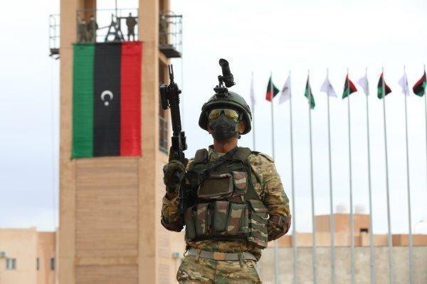 لیبی و ایتالیا توافقنامه دفاعی امضا کردند