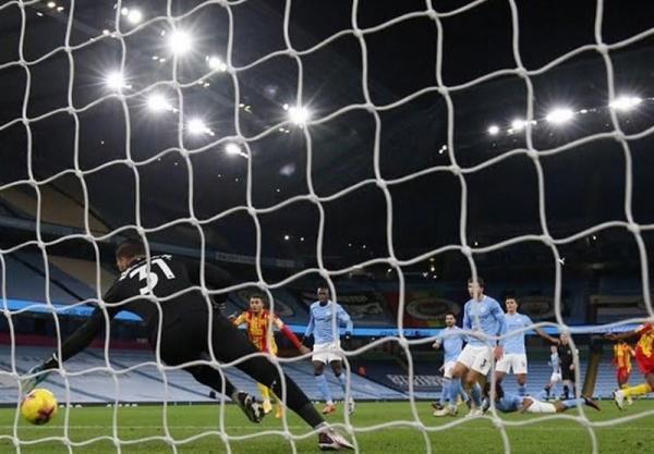 لیگ برتر انگلیس، منچسترسیتی با گل به خودی پیروزی خانگی را از دست داد