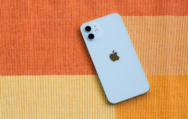 اپل بخش بیشتری از فراوری آیفون و آیپد را به هند و ویتنام منتقل می نماید