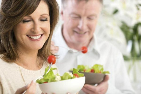 ویتامین هایی که بعد از 40 سالگی حتما باید بخورید!
